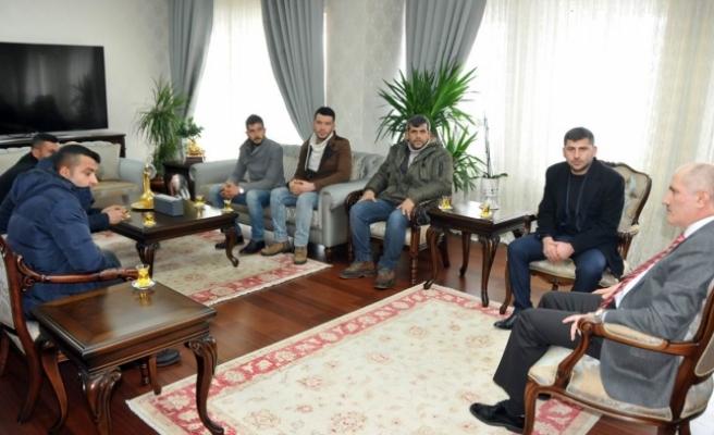Pazarcılar Odasının Yeni Yönetiminden Vali Meral'e Ziyaret