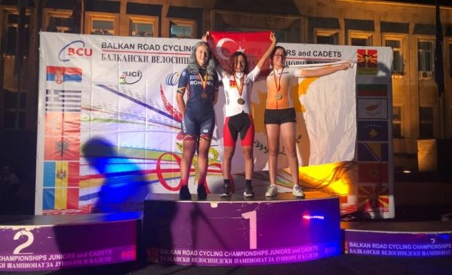 Bisiklet Sporcusu Azize Bekâr Balkan Şampiyonu Oldu