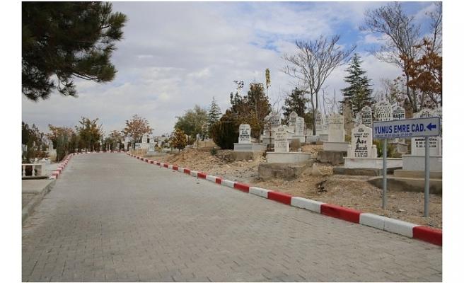 Mezarlıklar Müdürlüğü Sunduğu Hizmetle Adından Söz Ettiriyor