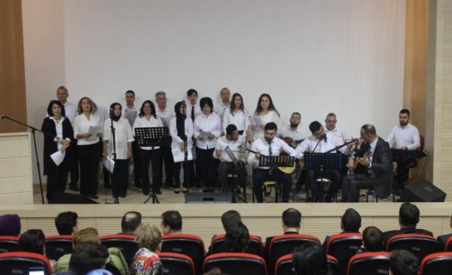 Karaman Devlet Hastanesi Korosu Müzik Ziyafeti Sundu