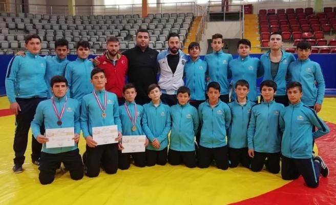 Anadolu Yıldızlar Ligi Güreş Takımı Yarı Minalde