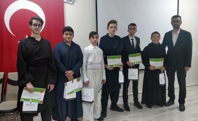 Sahnede Arapça Şiir Okuyup, Metin Canlandırması Yaptılar
