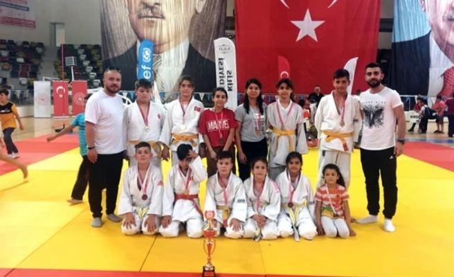 Judo Turnuvasında 2. Oldular