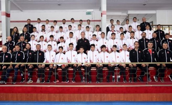 Milli Takımın Başında Avrupa Şampiyonasına Katılacak