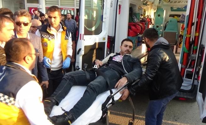 Silahlı Kavga: 1'i Polis 2 Yaralı