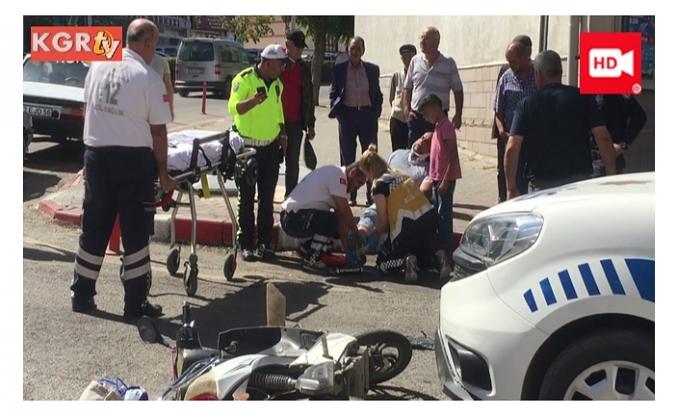 Ekip Arabası İle Elektrikli Bisiklet Çarpıştı:1 Yaralı
